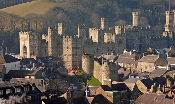 caernarfon-castle-and-town