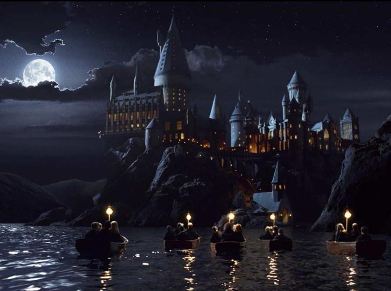 Harry-Potter-Hogwarts-Boats